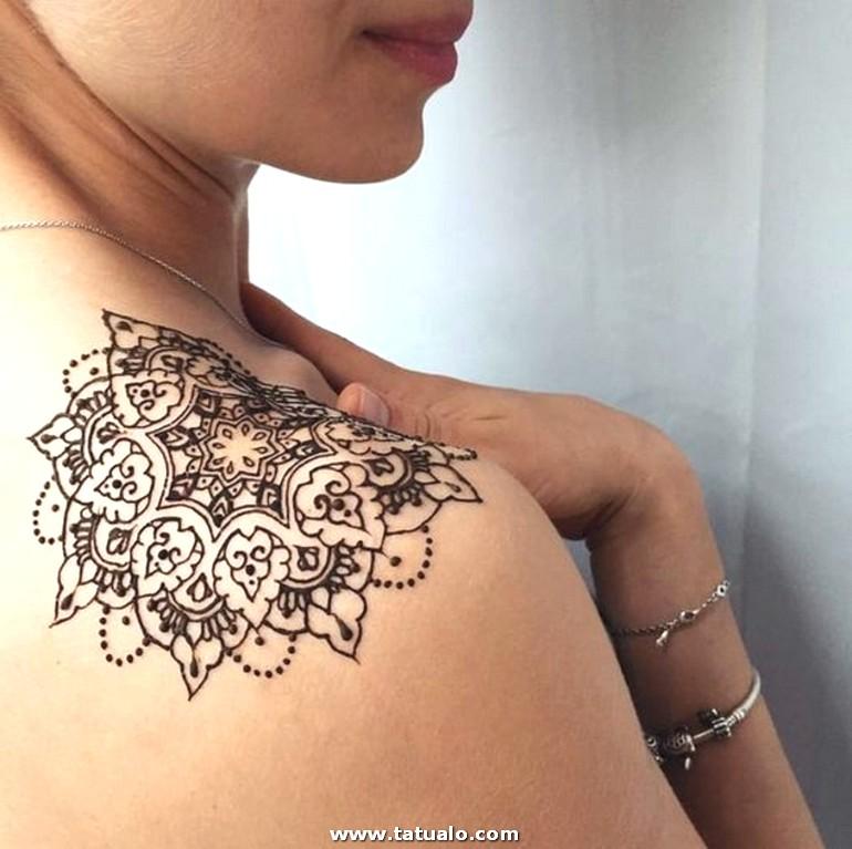 07 Tatuajes Henna Para Mujer En El Hombro Linda Mandala