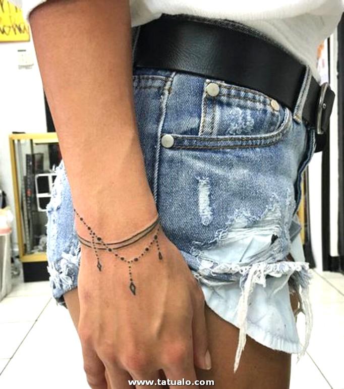 19 Tatuajes En La Muneca Mas Bonitos Que Una Pulsera Ad7336688d1ca3d880794df72ac36a73f653e6c3