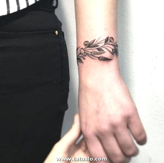9b86f89034da717fd5408088ccbf066d Bracelet Tattoos Bracelets 500x495
