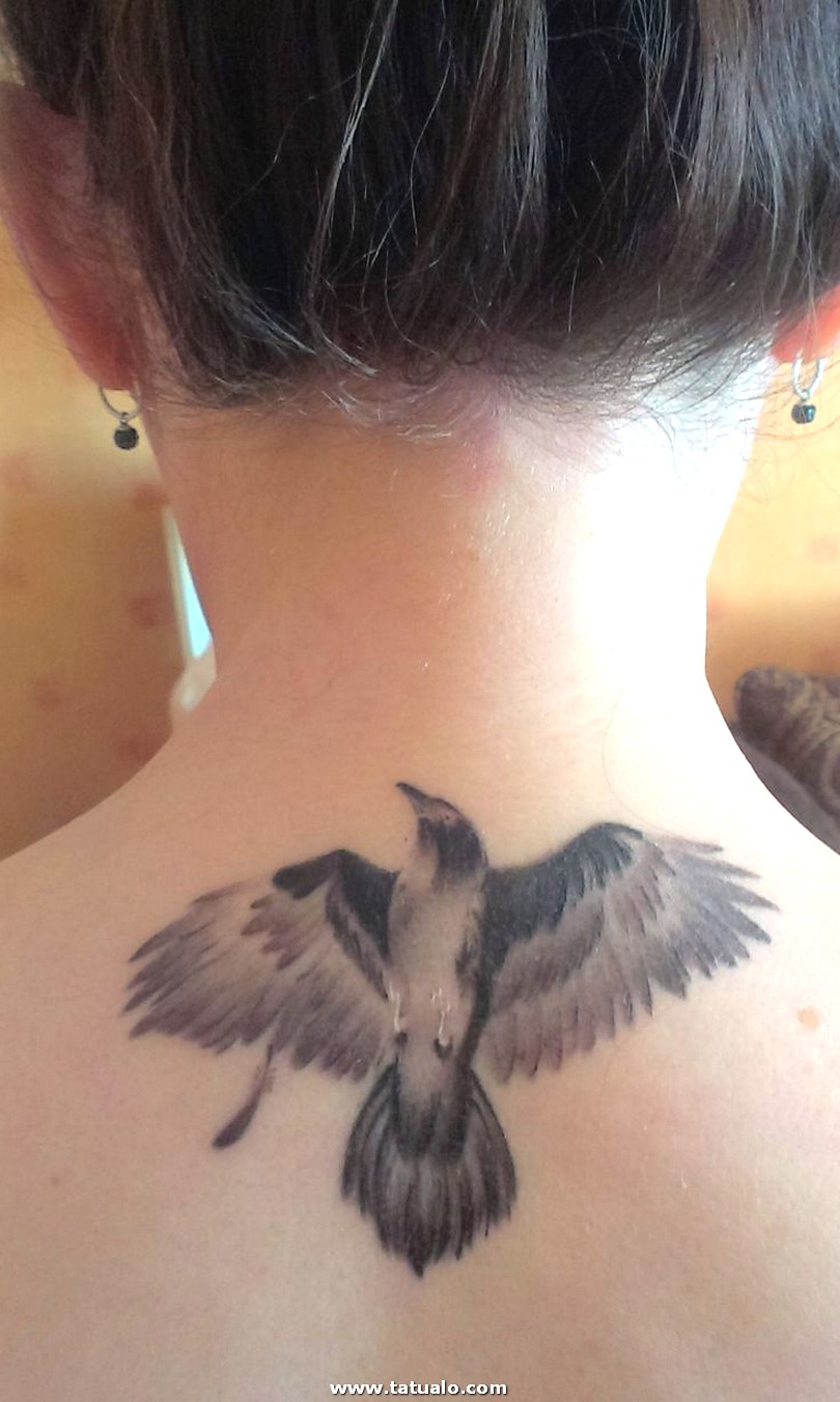 Creativo Tatuajes Para Mujeres En Cuello