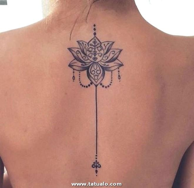 Diseos De Tatuajes En La Espalda Para Mujeres 2