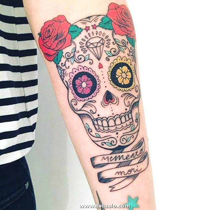 Tatuaje Calavera Mexicana Brazo A Color