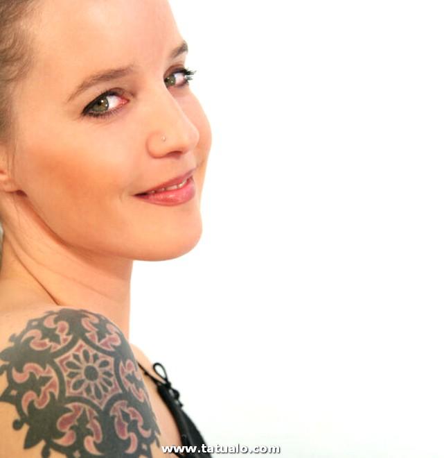 Tatuajes En El Hombro Para Mujeres 06