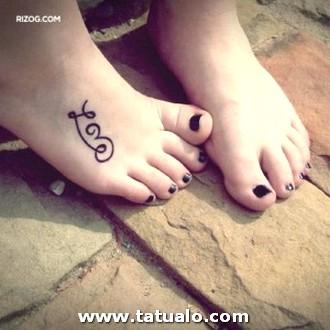 Tatuajes Para Mujeres En El Pie Fotos Amor 300x300