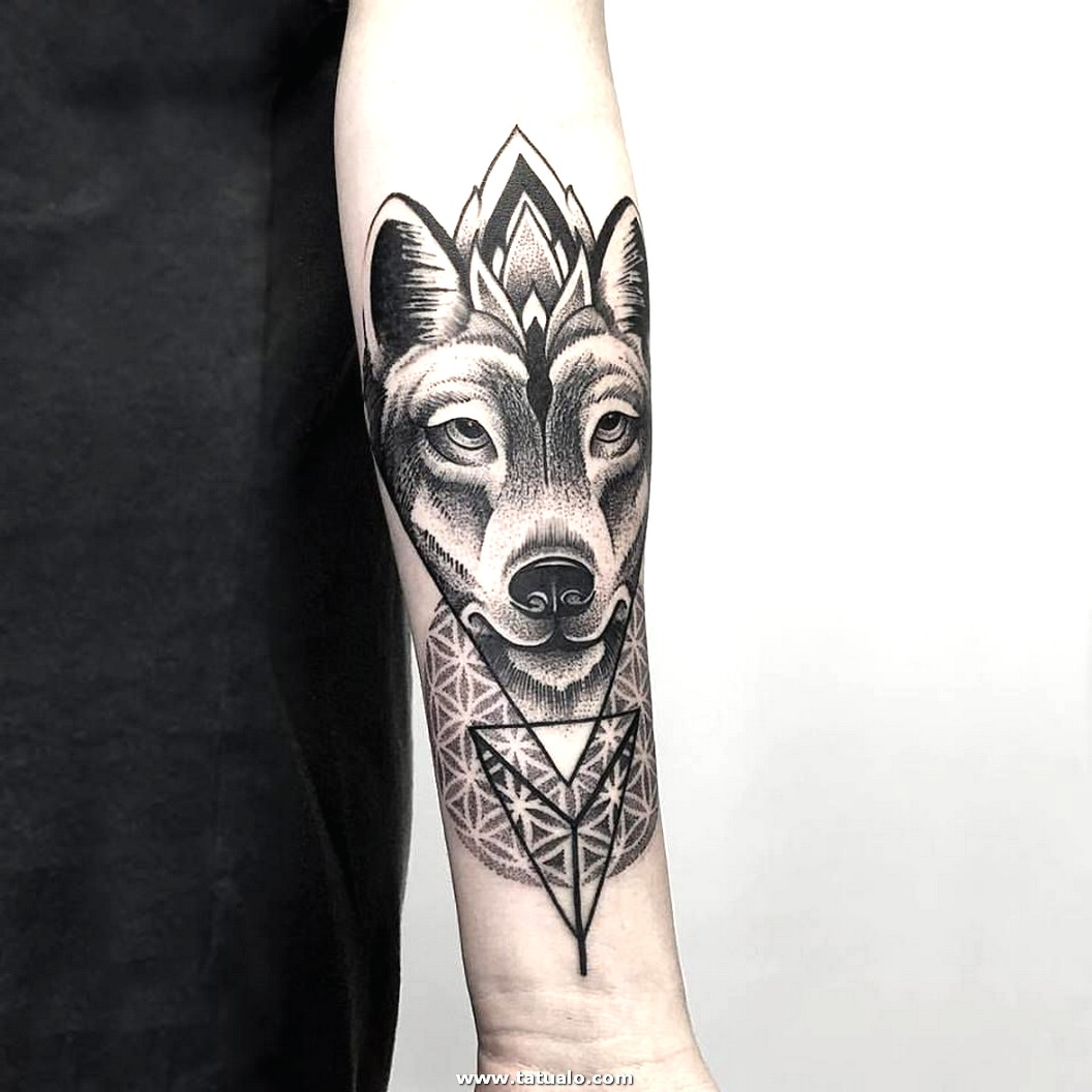 Women Wolf Tattoo Arm Geometric