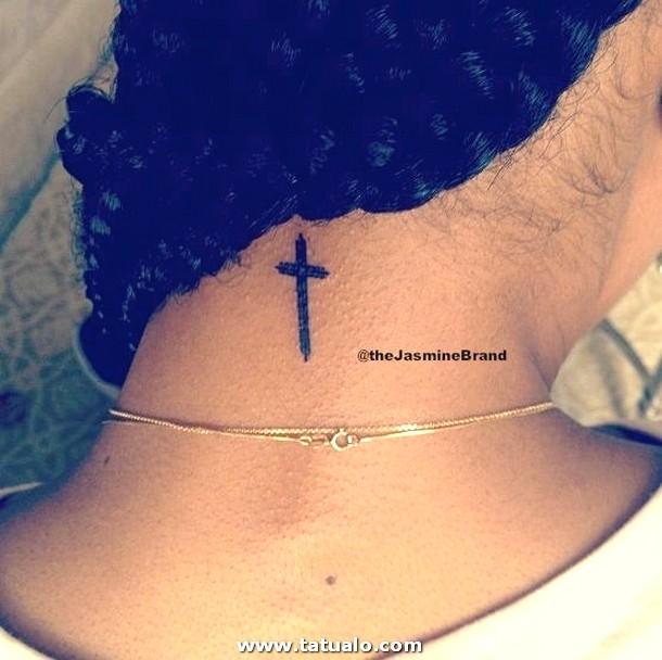 E84c0 11 Tatuajes De Cruces Cuello Belagoria