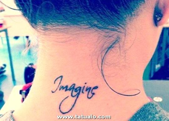 Frase Tatuada En El Cuello 490x350