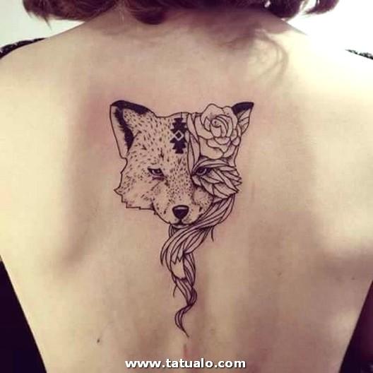 Ideas De Tatuajes En La Espalda Para Mujeres 11