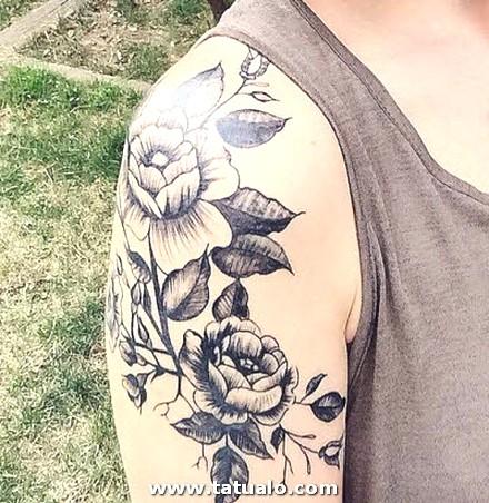 Imagenes De Tatuajes Mujer Flor En Hombro