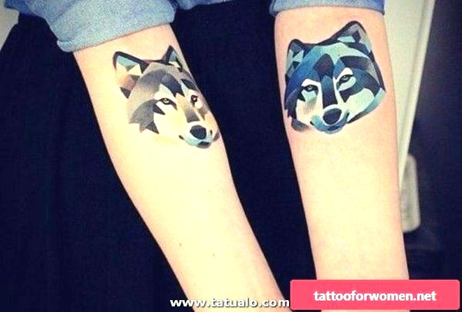 Lovely Wolf Tattoo For Women 600x405
