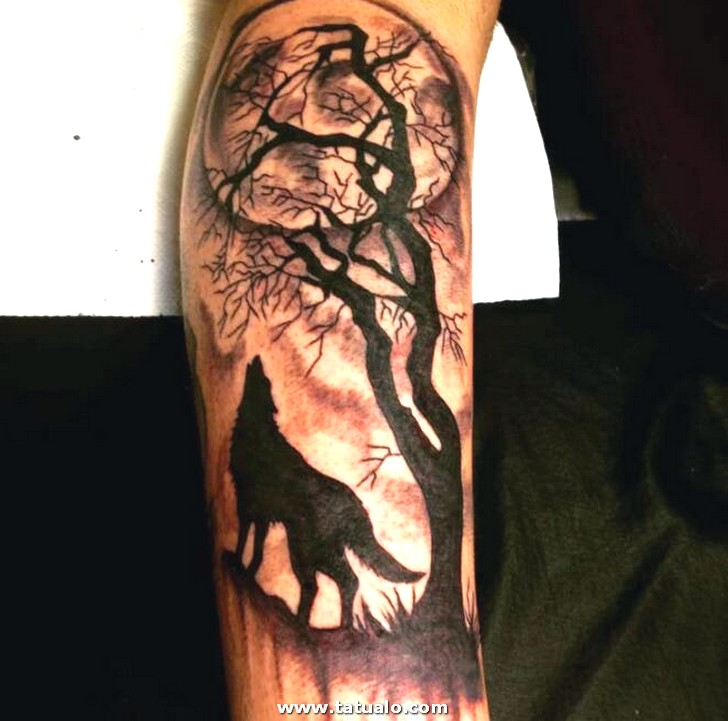 Moon Wolf Tattoo Best Howling Wolf Tattoos For Men And Women Updated Daily Fake