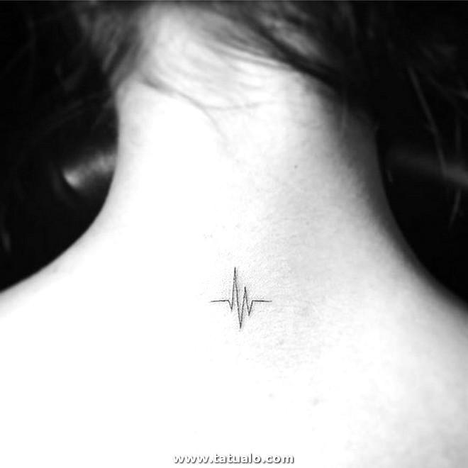 Pequenos Tatuajes De Cuello Para Mujeres