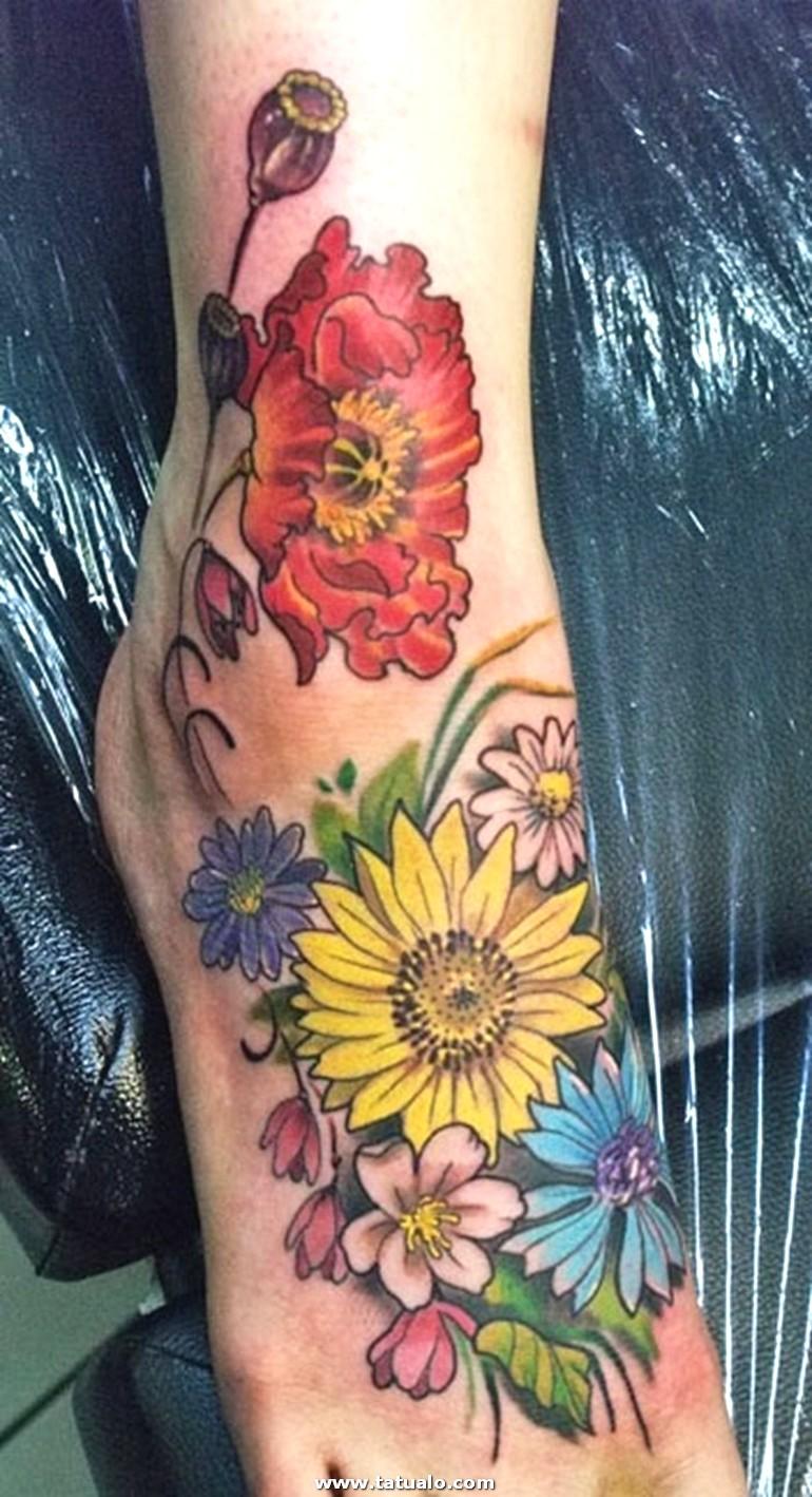 Plumas En El Pie Tatuajes Para Mujeres