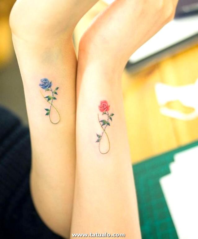 Tattoo Ideen Parchen Rosen Handgelenk Blau Rosa Unedlichkeitszeichen 2
