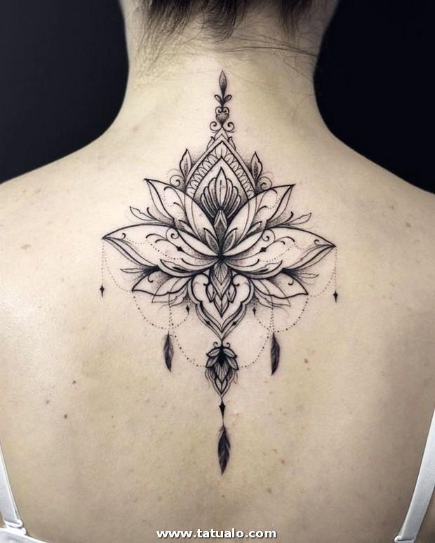 Tattoo Mujeres Cuello 1