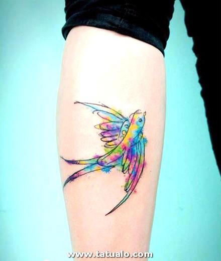 Tatuaje Brazo Mujer Golondrina
