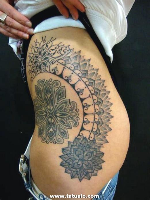 Tatuaje De Flores Geom 233 Tricas En La Cintura De Una Chica JkOqwixSmwgSRKILc7w0WwHaJ4
