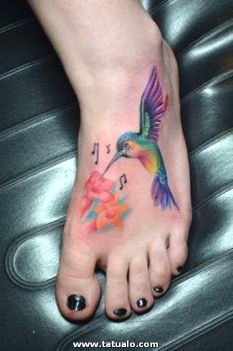 Tatuaje En El Pie De Colibri