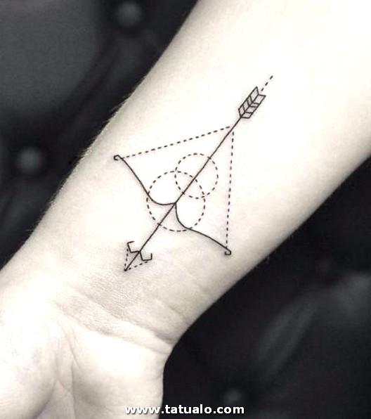 Tatuaje En La Muneca De Flecha 7373bb2414e3ac624c3de62fe82b740ccca80f92