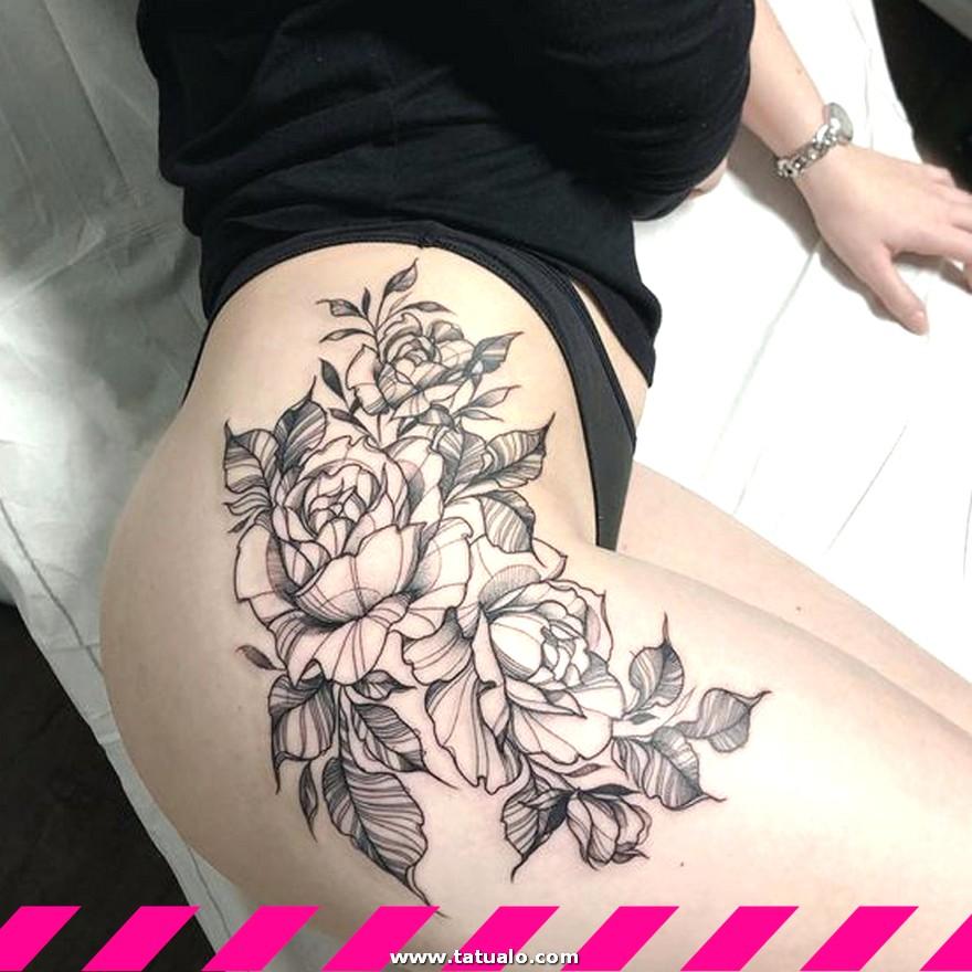 Tatuaje En La Pierna De Flor