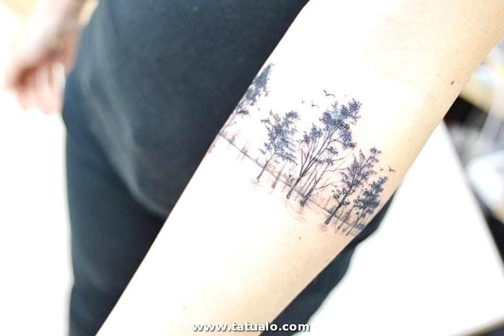 Tatuaje Floresta Antebrazo Mujer