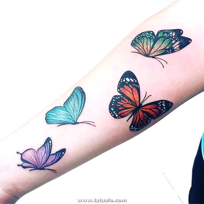 Tatuaje Mariposas De Colores En El Antebrazo