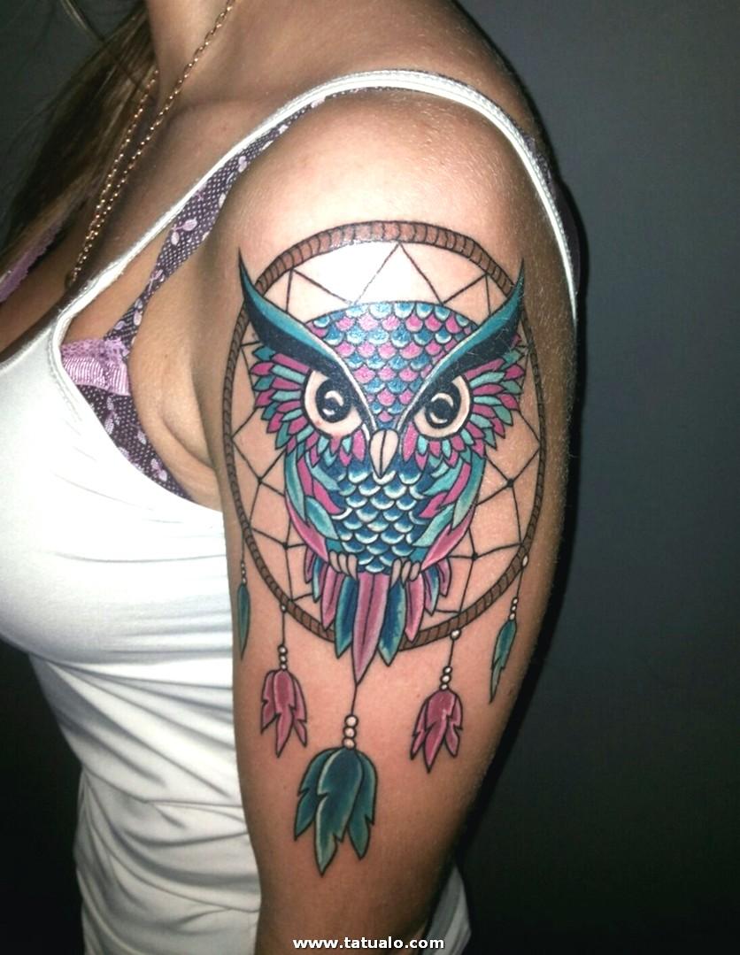 Tatuaje Mujer Hombro Cazador Suenos Buho