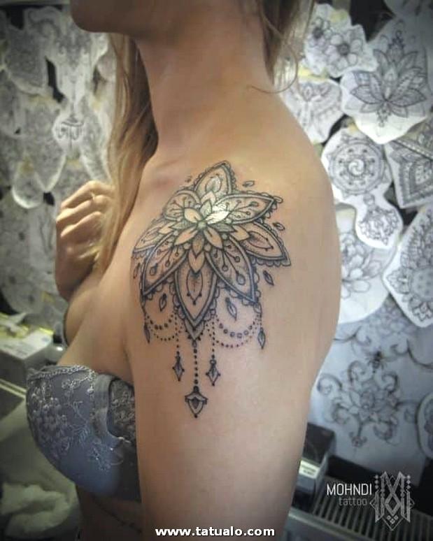 Tatuaje Para El Hombbro Mujer 7
