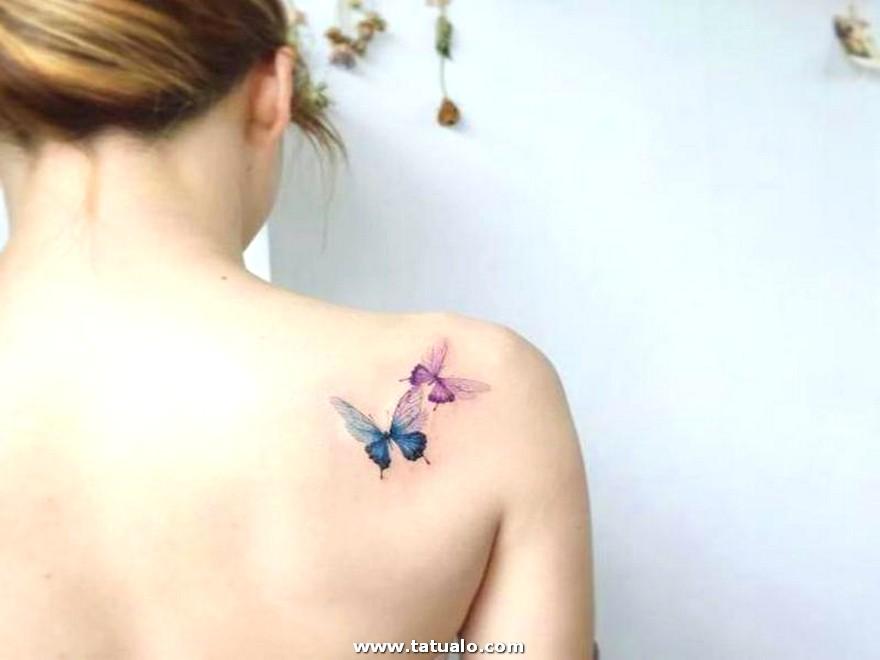 Tatuajes Cerca De Hombro De Mariposas