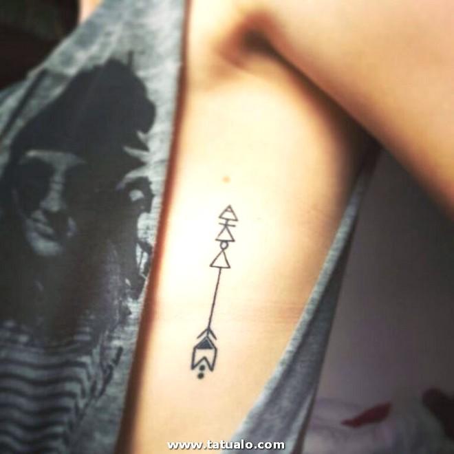 Tatuajes Costillas Flechas Mujer