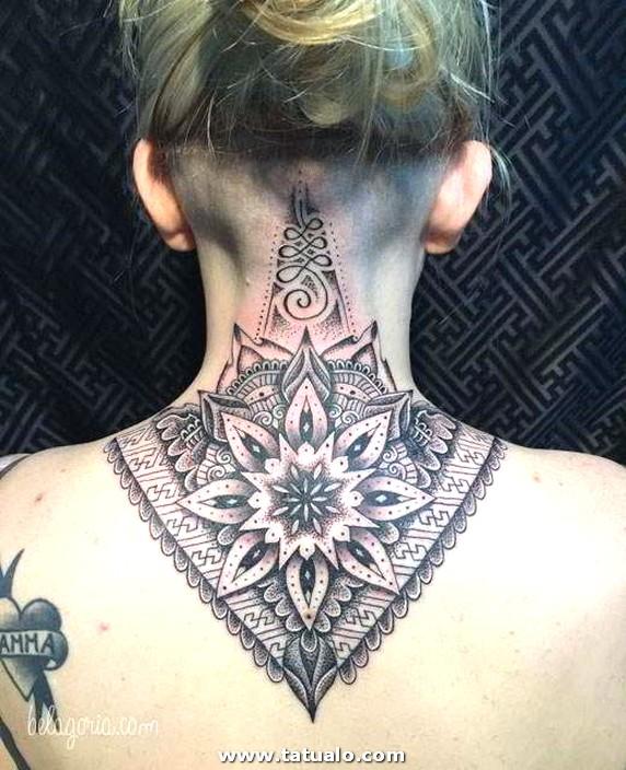 Tatuajes Cuello Mujeres 31