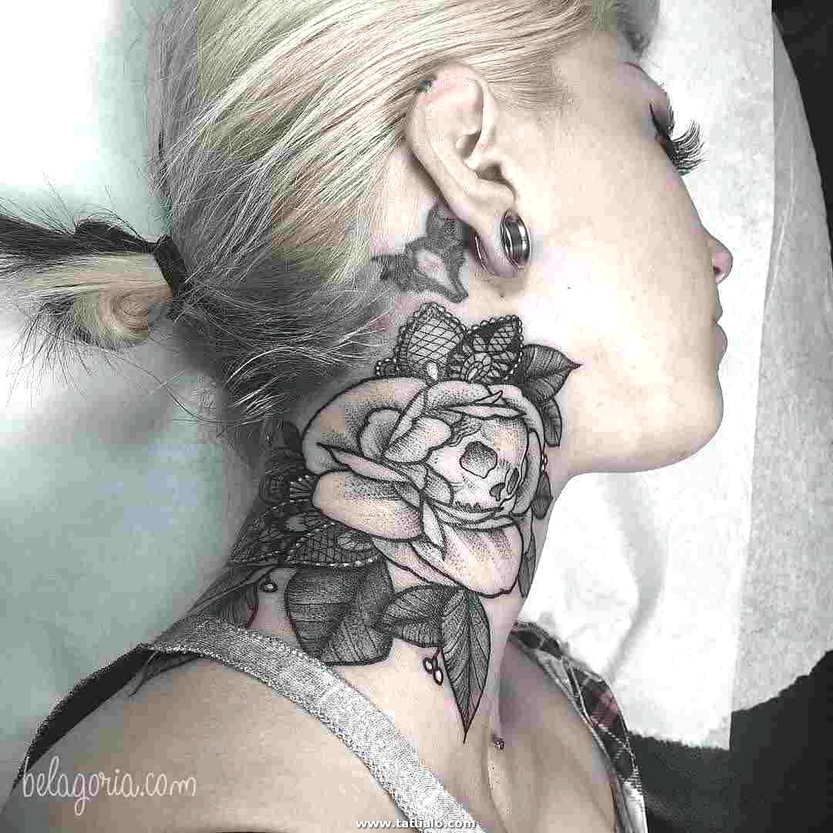 Tatuajes Cuello Mujeres 34