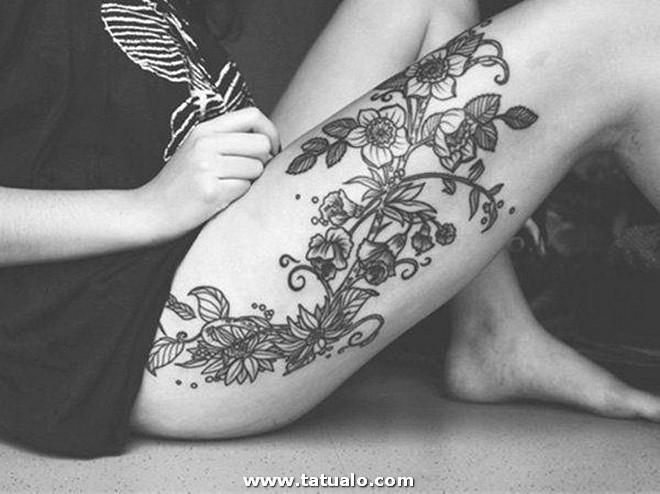 Tatuajes De Flores En Las Piernas