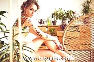 Tatuajes De Mujeres En El Brazo De Flores 300x200