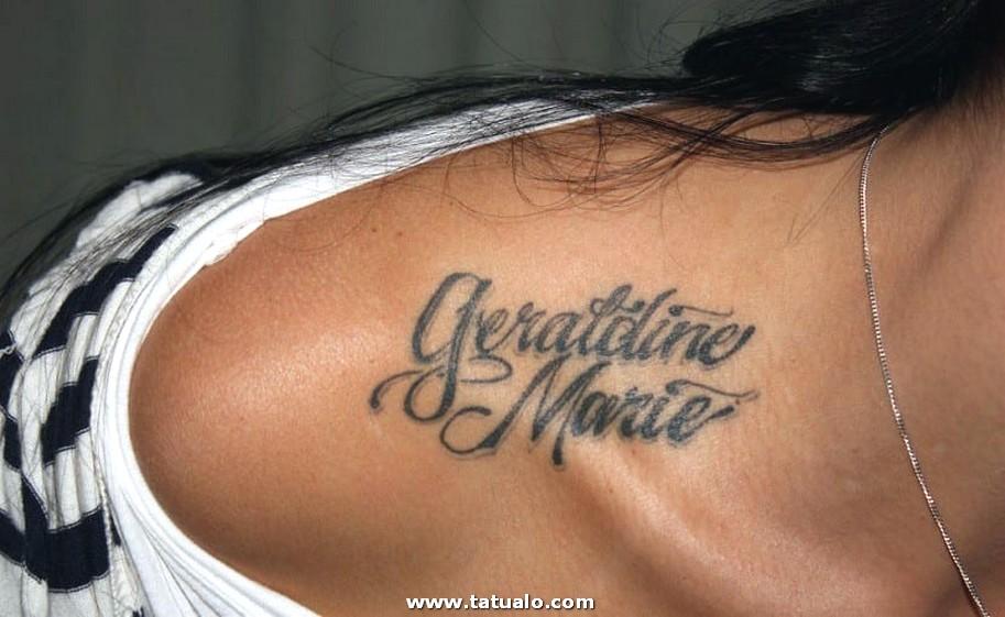 Tatuajes De Nombres En El Hombro 43