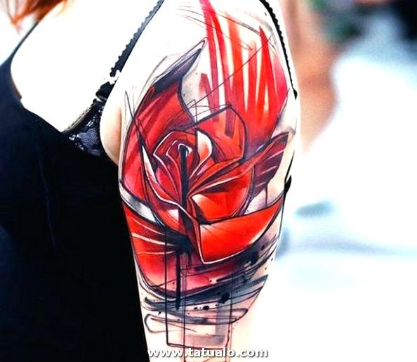 Tatuajes De Rosas Rojas Hombro Mujer