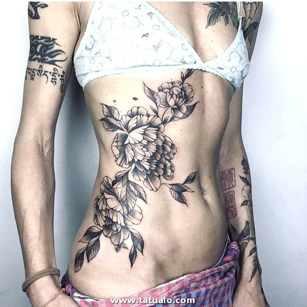 Tatuajes En El Abdomen Para Mujeres 5