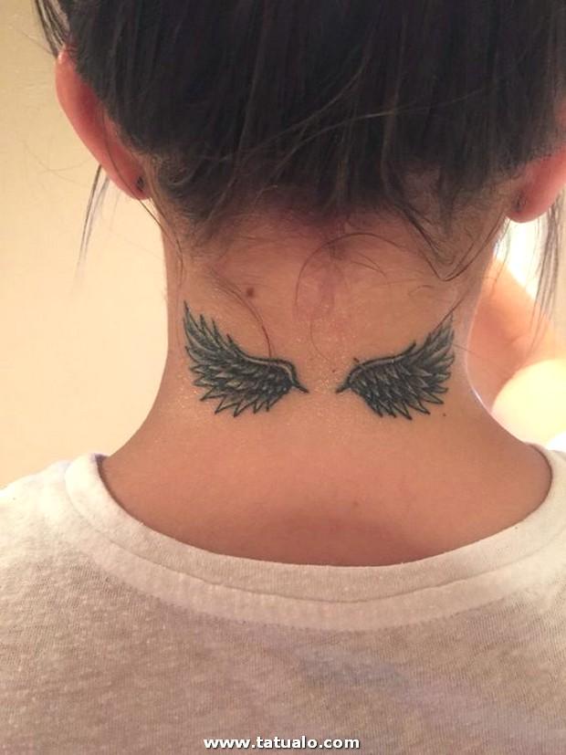 Tatuajes En El Cuello Para Mujeres 7