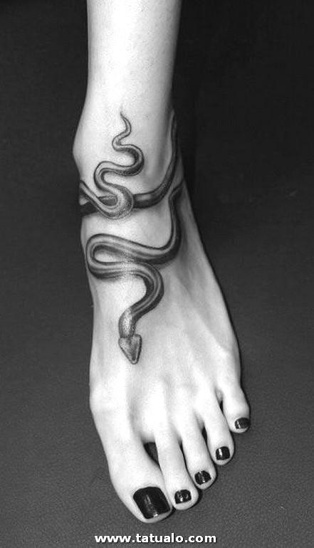 Tatuajes En El Pie Para Mujeres 6