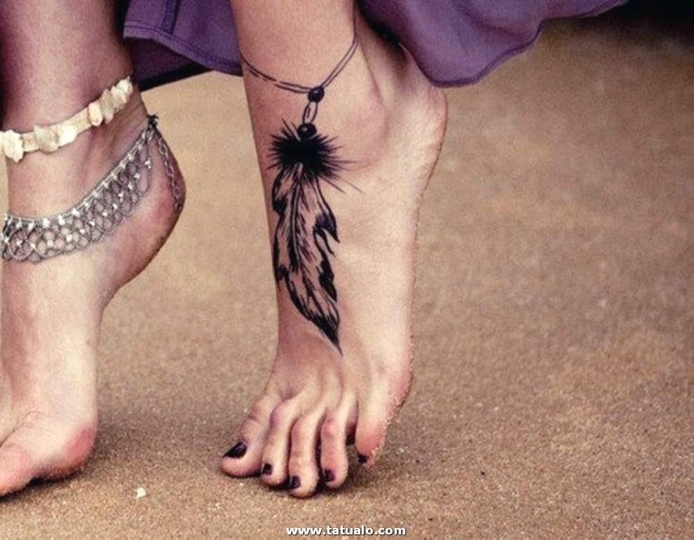 Tatuajes En El Pie Para Mujeres Plumas