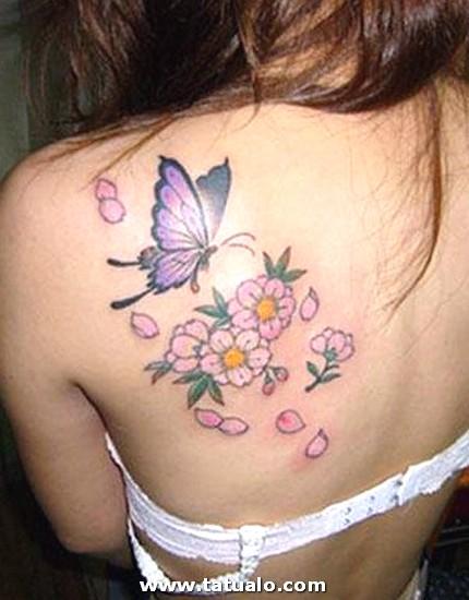 Tatuajes En La Espalda Mariposa Flores