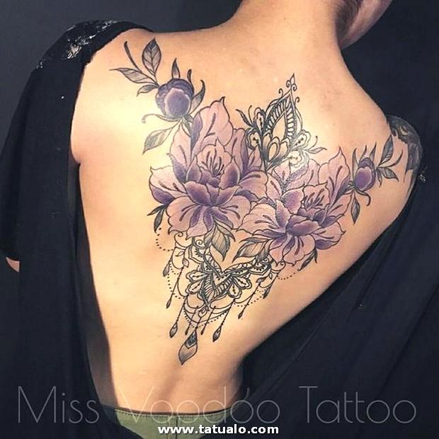 Tatuajes En La Espalda Para Mujeres 20