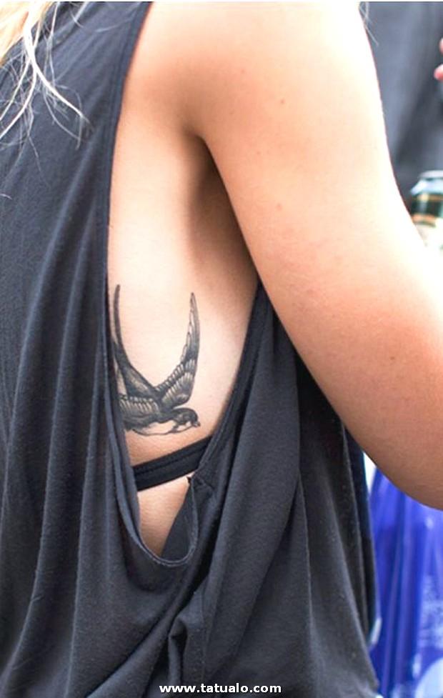 Tatuajes En Las Costillas 6