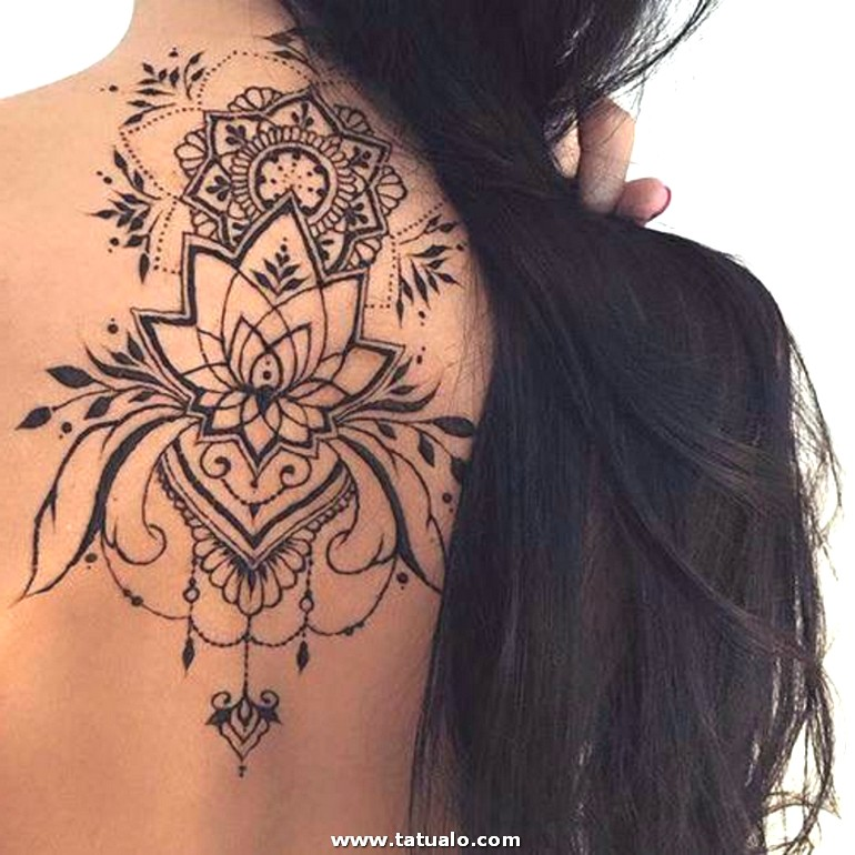 Tatuajes Henna En La Espalda Dibujo De Flor De Loto Para Mujer