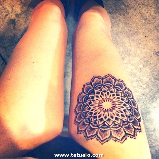 Tatuajes Mujeres Piernas 01