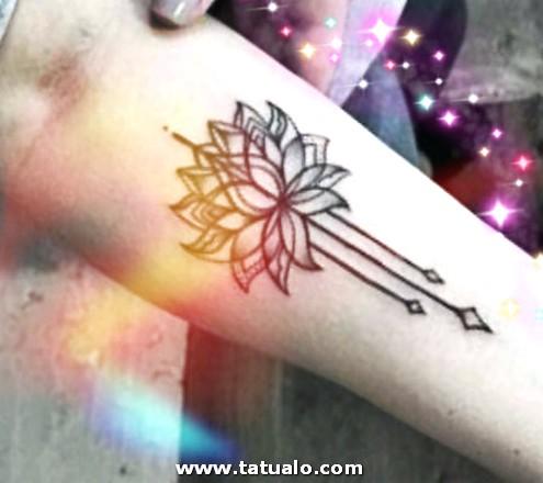 Tatuajes Para Mujeres En El Brazo De Flor De Loto