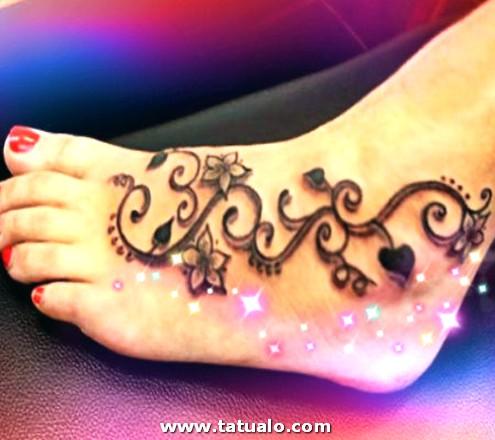Tatuajes Para Mujeres En El Pie Florales