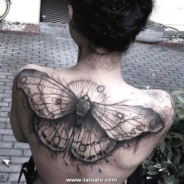 Tatuajes Para Mujeres En Espalda Alta 9