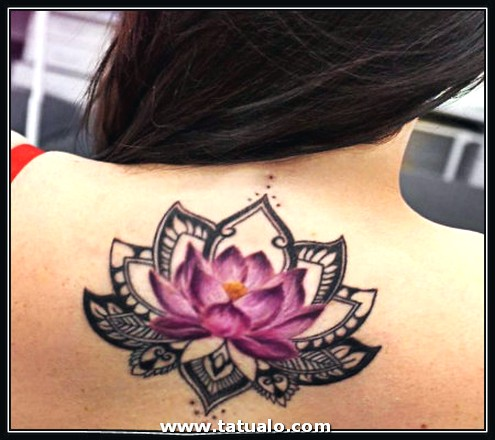 Tatuajes Para Mujeres En La Espalda De Flor De Loto