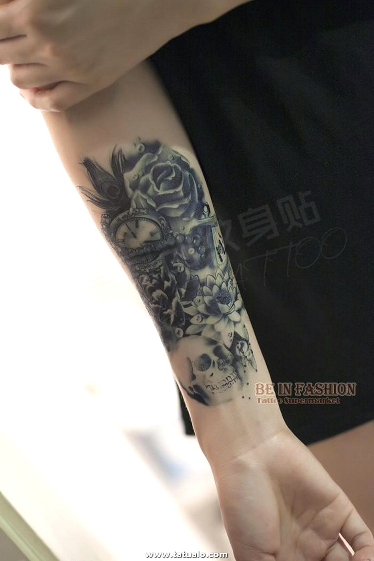 Una Pieza De Moda Tatuaje Temporal Flor Rosa